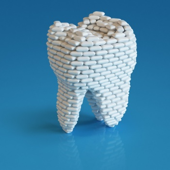 A tooth built up by chewing gum teeth tand tuggummi bubbelgum